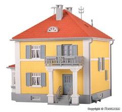 Kibri 38178 - H0 Wohnhaus Pappelweg